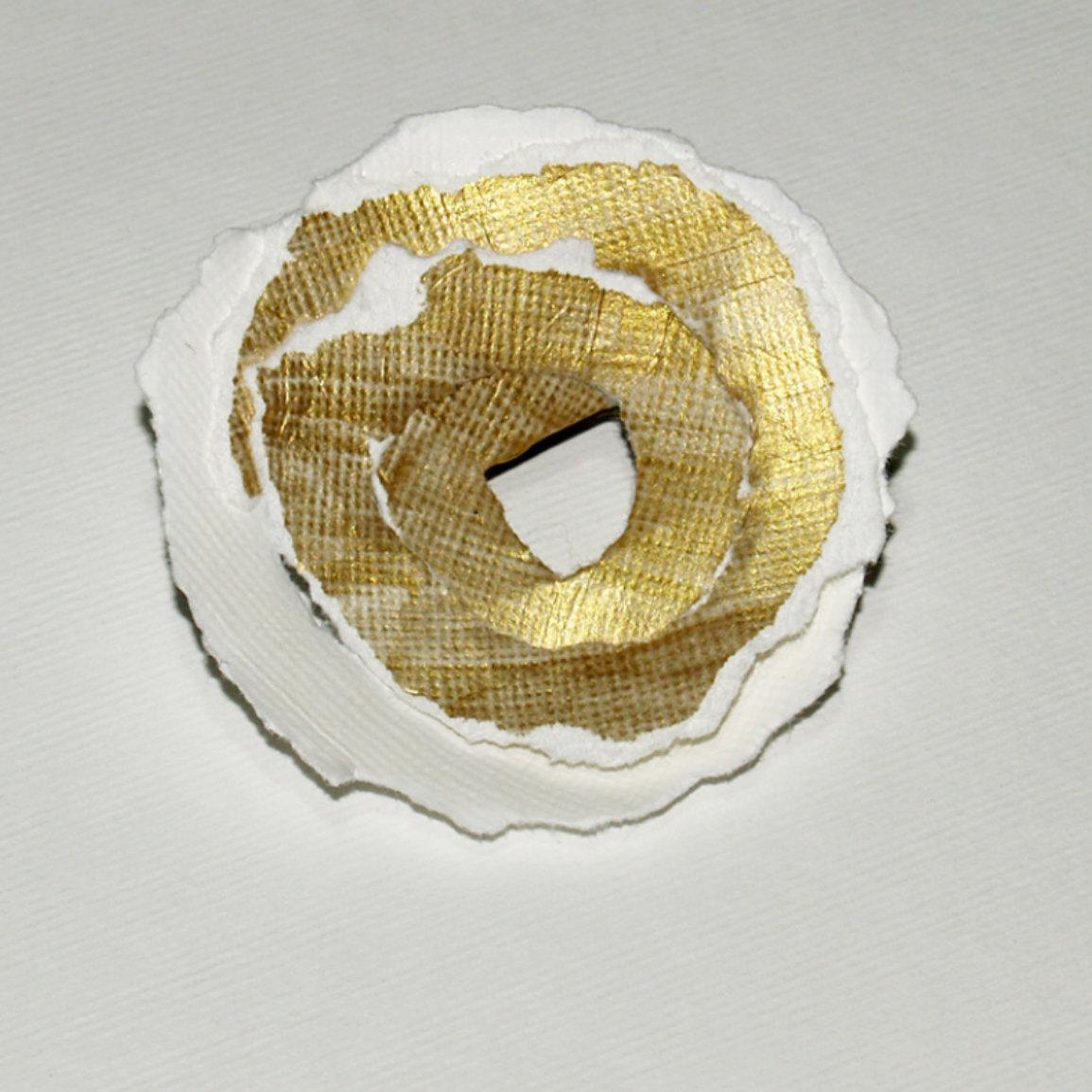 Paper on U Brooches