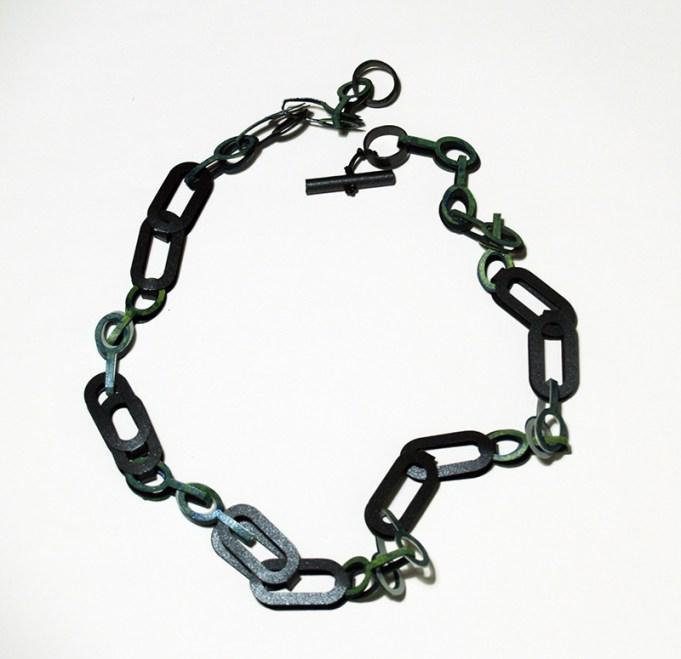 full_Necklace_Link_mixed_2U_green_detail_web